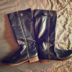 Below knee boots